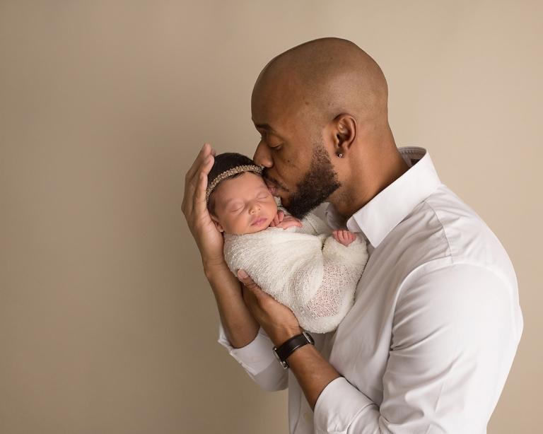 Newborn Dad Picture Nashville